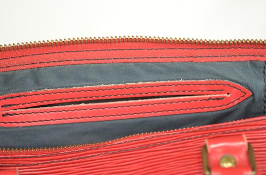 LOUIS VUITTON Epi Speedy Leather Tote in Red Image 11