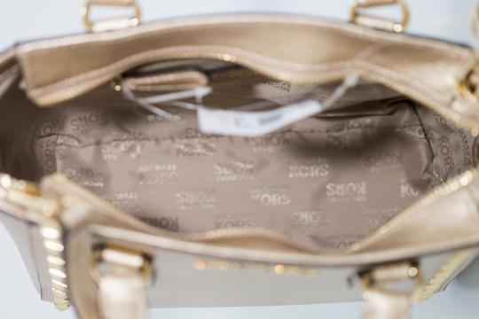 Michael Kors 191262029035 Satchel in Pale Gold Image 5