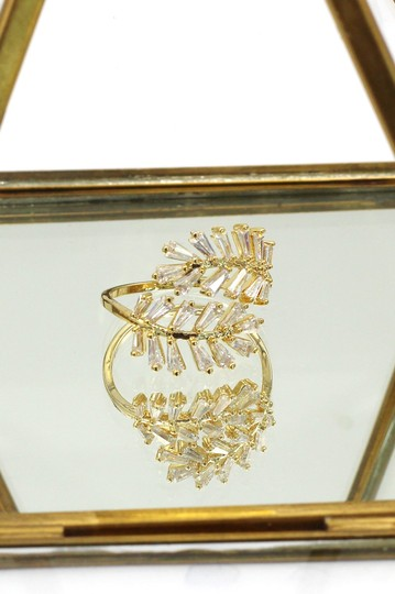 Ocean Fashion Gold Fashion Crystal inclusive ring Image 3