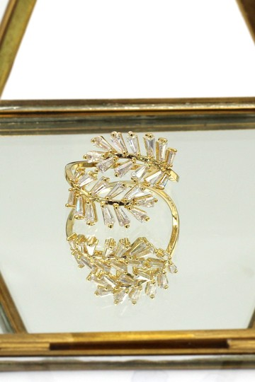 Ocean Fashion Gold Fashion Crystal inclusive ring Image 4