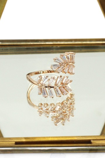 Ocean Fashion Rose gold Fashion Crystal inclusive ring Image 4