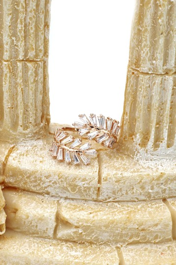 Ocean Fashion Rose gold Fashion Crystal inclusive ring Image 8