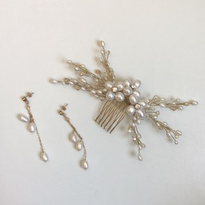 Ivory Freshwater Pearl and Swarovski Hair Comb and Earring Jewelry Set