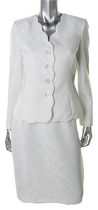 Le Suit Petites White Jacquard Pattern Fabric Scalloped Skirt Suit
