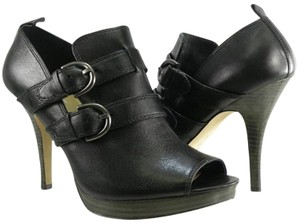 Coach Cut-out Black Pumps