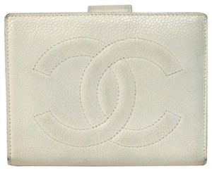 Chanel CHANEL Bifold Wallet Caviar Skin Leather CC logo