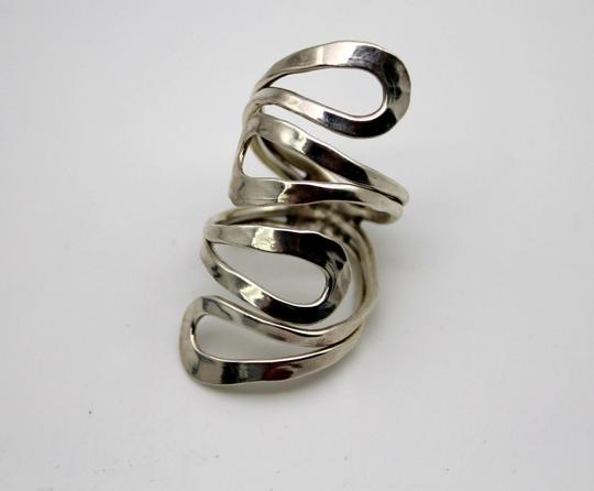Bella & Chloe Solid Sterling Silver Adjustable Ring, Size 7.5 but adjustable. Looks best on index finger!