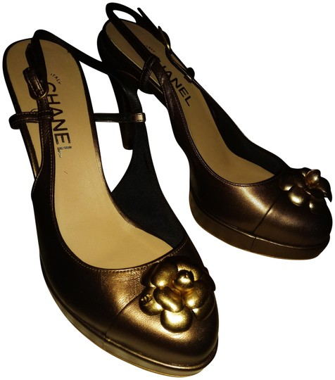 Preload https://img-static.tradesy.com/item/23416594/chanel-bronze-new-made-in-italy-flower-toe-r40-l41-leather-slingbacks-sandals-size-eu-40-approx-us-1-0-4-540-540.jpg