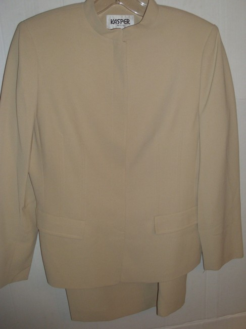 Kasper Neutral light beige nude tailored skirt suit 4P Kasper work jacket