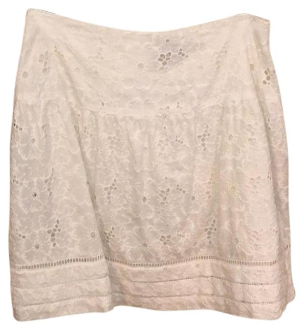 Preload https://img-static.tradesy.com/item/23416967/juicy-couture-white-skirt-size-2-xs-26-0-1-650-650.jpg