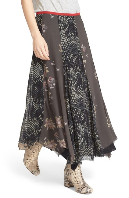 Preload https://img-static.tradesy.com/item/23416978/free-people-rock-on-maxi-skirt-size-6-s-28-0-0-650-650.jpg
