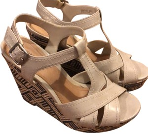 Kenneth Cole Reaction Gray, blue, tan Wedges