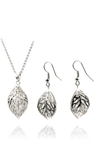 Preload https://img-static.tradesy.com/item/23417433/silver-hollow-crystal-leaf-earring-necklace-0-0-540-540.jpg