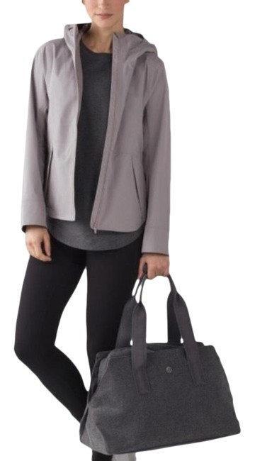 Preload https://img-static.tradesy.com/item/23417803/lululemon-dark-chrome-everyday-getaway-activewear-jacket-size-6-s-0-1-650-650.jpg