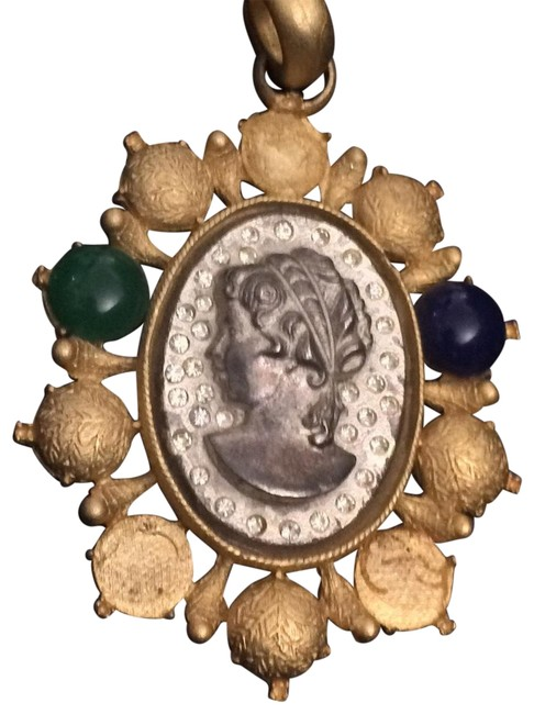 Item - Gold & Silver Cameo Pendant Cabachons Charm