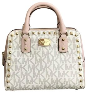 e6f46b1025f5 Michael Kors Studded Bags - Up to 70% off at Tradesy (Page 4)