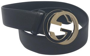 Gucci Black leather Gucci gold-tone GG buckle belt 80-32