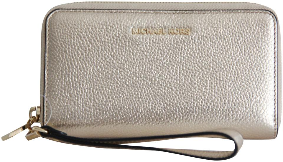 a7df46a698e0 Michael Kors Gold Mercer Multifunction Leather Wristlet Phone Case Wallet