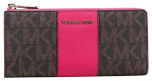 6042028c1b49 Michael Kors MICHAEL KORS JET SET TRAVEL LARGE THREE QUARTER ZIP LEATHER  WALLET