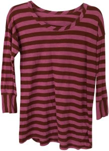 Madewell T Shirt Maroon and pink