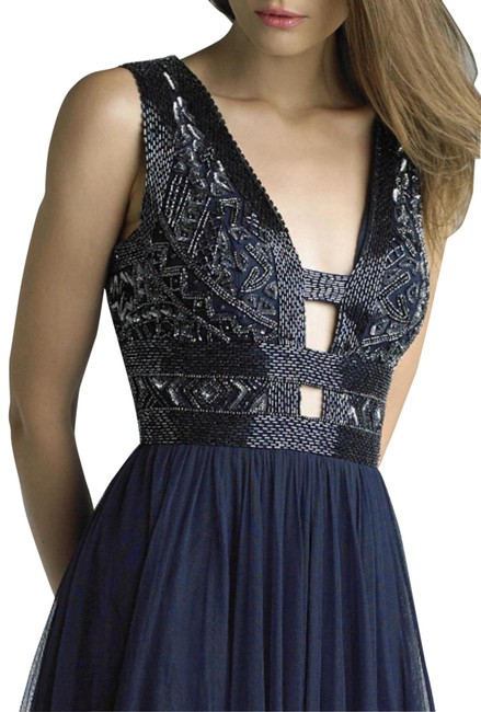 Item - Navi Embellished Cutout Gown Long Formal Dress Size 6 (S)