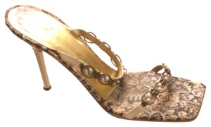 Giuseppe Zanotti with metallic wire and pearl decoration Pumps