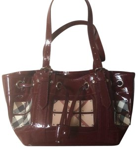 Burberry Satchel in burgundy