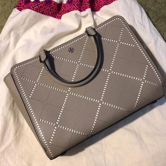 Tory Burch Satchel in French gray / ivory Image 2