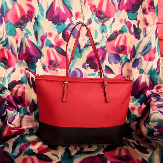 MICHAEL Michael Kors Tote in Black & Red Image 3