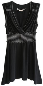 Max Studio Embroidered Stretchy Sleeveless Empire Waist V-neck Top Black