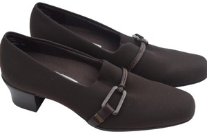Munro American brown Pumps