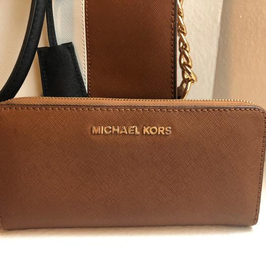 Michael Kors Purse And Wallet Satchel in white, brown, Black Image 5