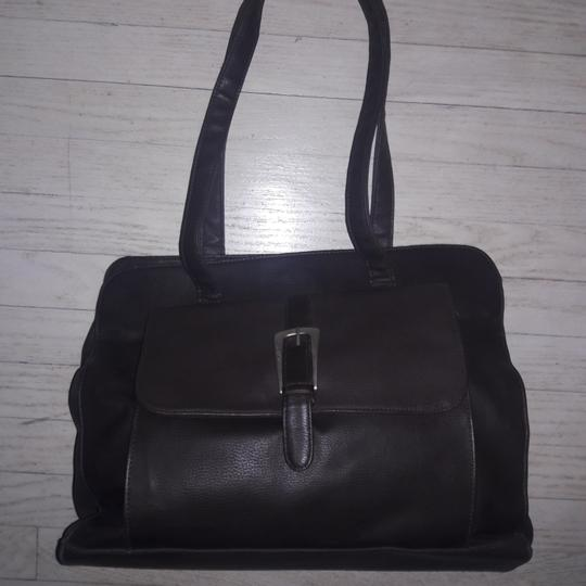 Preload https://img-static.tradesy.com/item/23436518/kenneth-cole-large-utility-with-muti-compartments-new-without-tags-tote-0-3-540-540.jpg