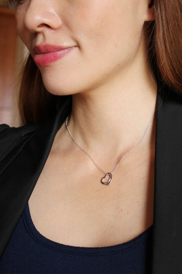 Ocean Fashion Silver Cabinet micro crystal heart necklace Image 2