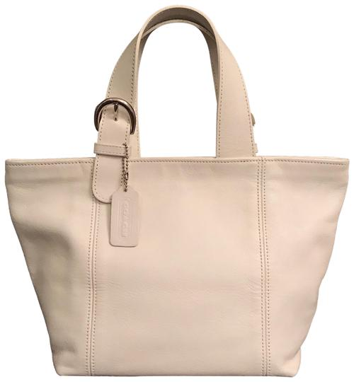 Preload https://img-static.tradesy.com/item/23436838/coach-rare-color-waverly-soho-vintage-4133-white-silver-leather-tote-0-1-540-540.jpg