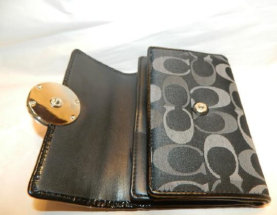 Coach ~Like New~Sold out COACH Alexandra Signature 3 Color Med Wallet Image 10