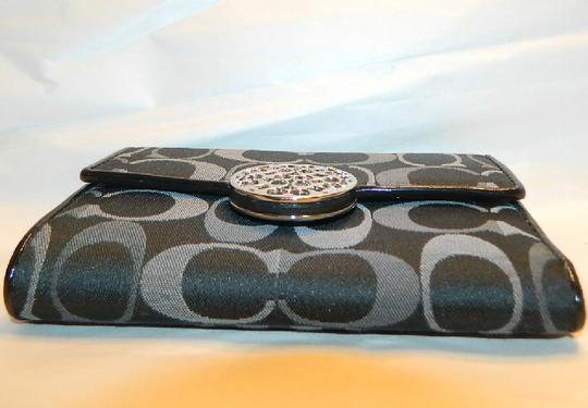 Coach ~Like New~Sold out COACH Alexandra Signature 3 Color Med Wallet Image 4