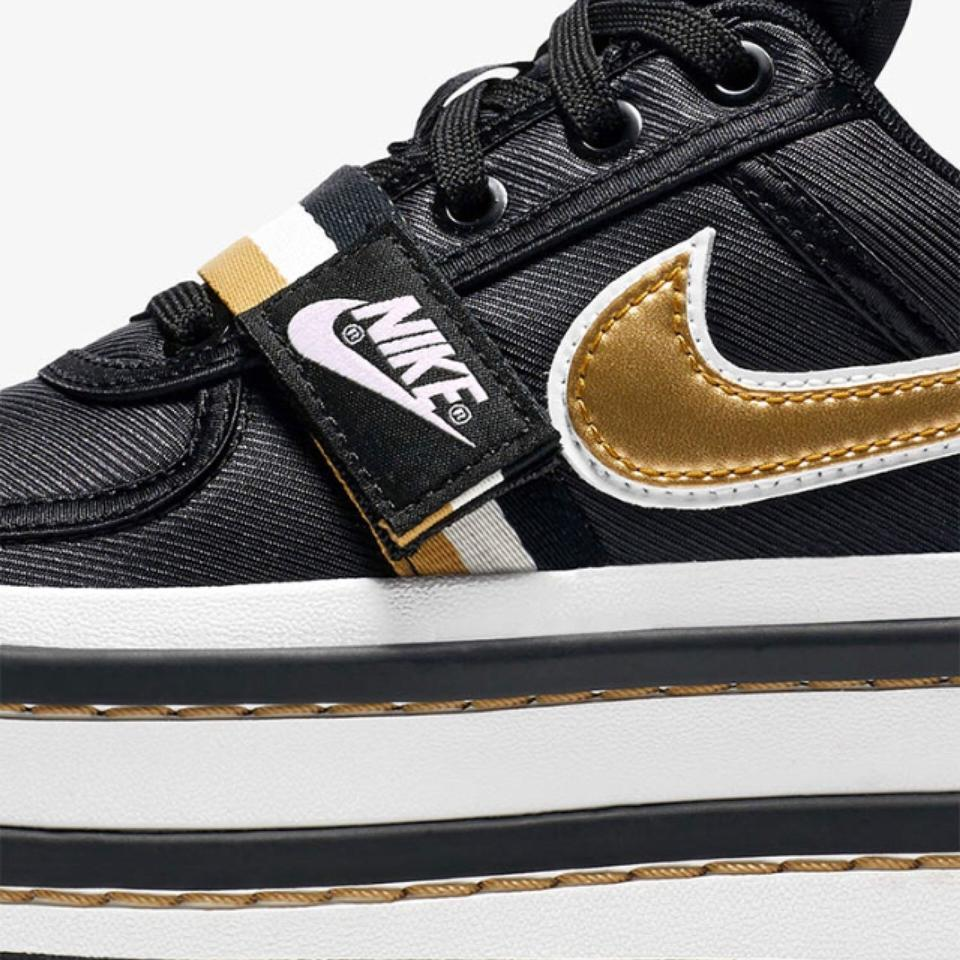 Nike Black and Gold Out Everywhere Vandal 2k Sneakers Size US 8 ... bdf4b73ef