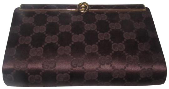 Preload https://img-static.tradesy.com/item/23437301/gucci-vintage-pursedesigner-purses-chocolate-brown-large-g-logo-print-silk-and-leather-clutch-0-1-540-540.jpg