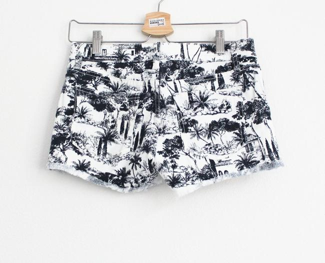 Tory Burch Mini/Short Shorts White and Navy Image 3
