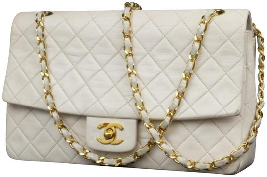 Preload https://img-static.tradesy.com/item/23437567/chanel-classic-flap-quilted-medium-228478-white-leather-shoulder-bag-0-1-540-540.jpg
