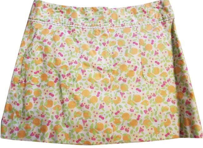 Preload https://img-static.tradesy.com/item/23438221/lilly-pulitzer-whitegreen-vintage-with-strawberries-and-oranges-skort-size-2-xs-26-0-1-650-650.jpg