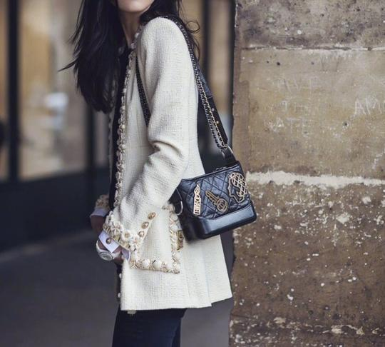 Chanel Holiday Gift Chic Fashionable Unique Cross Body Bag Image 11