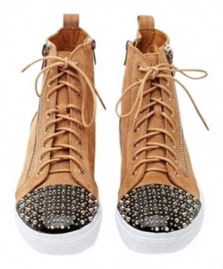Preload https://img-static.tradesy.com/item/23444/jeffrey-campbell-tan-adams-spike-sneaker-suede-flats-size-us-8-0-0-540-540.jpg