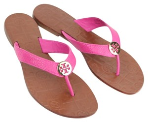 100362f894d3 Tory Burch Flat Sandals - Up to 70% off at Tradesy