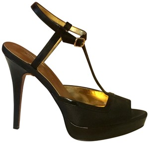 Report Signature black Platforms