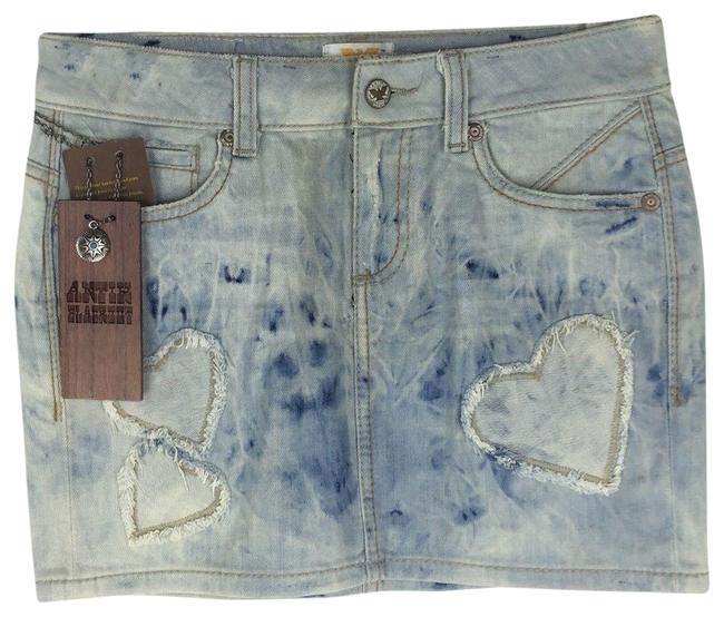 Item - Blue Heart Patch Distressed Skirt Size 4 (S, 27)