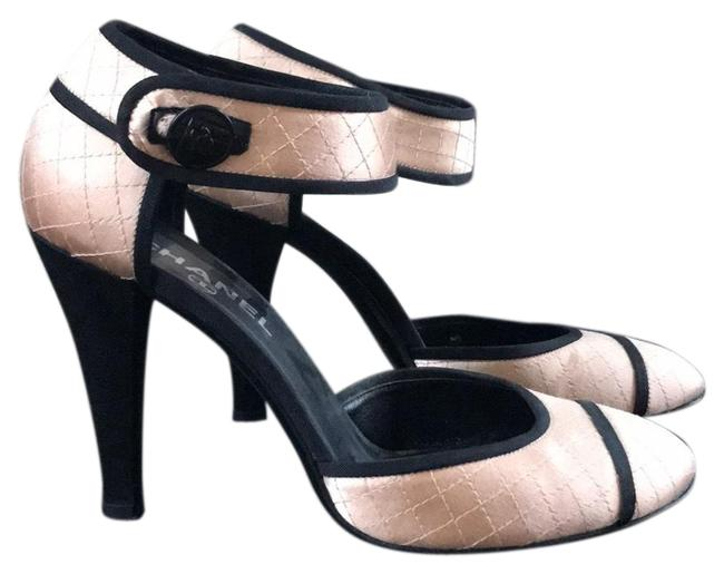 Item - Peach Satin Quilted Cap Toe Mary Jane Pumps Size EU 39 (Approx. US 9) Regular (M, B)