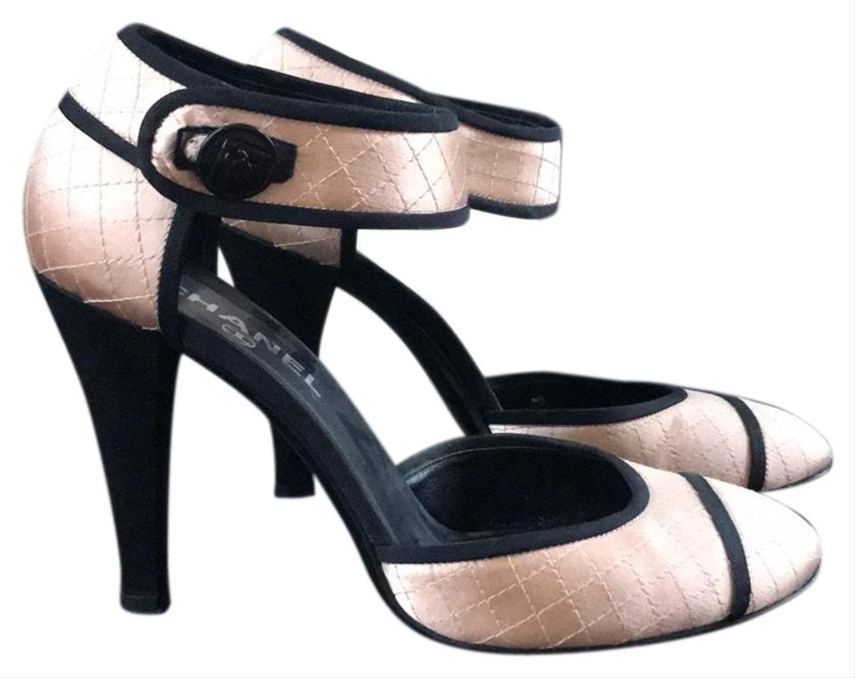 6a68db39d8 Chanel Peach Satin Quilted Cap Toe Mary Jane Pumps. Size: EU 39 (Approx. US  9) ...