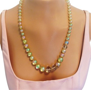 Other Vintage Iridescent graduating bead necklace